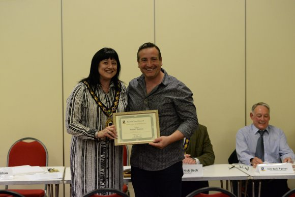 citizens award for michael nardone raunds town council